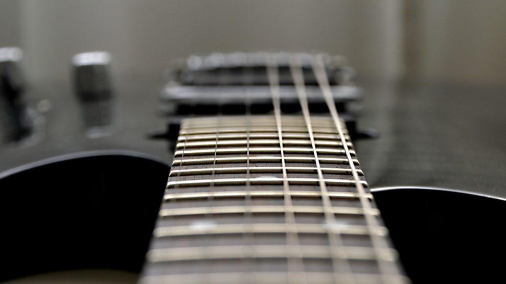 Choisir un guitare ajustée et inspectée